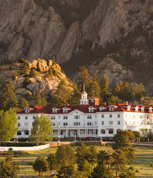 Hoteluri bântuite în care merită să stai măcar o noapte.. dacă ai curaj