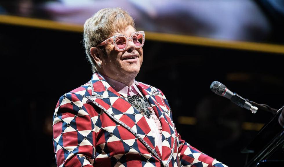 Elton John povestește experiența unui Crăciun memorabil în cea mai emoționantă reclamă a anului
