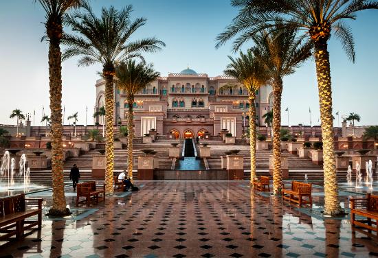 15 dintre cele mai impresionante hoteluri din lume