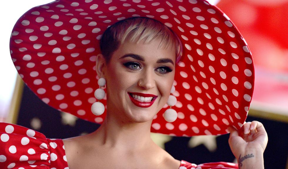 Katy Perry este cel mai bine plătită cântăreață a anului