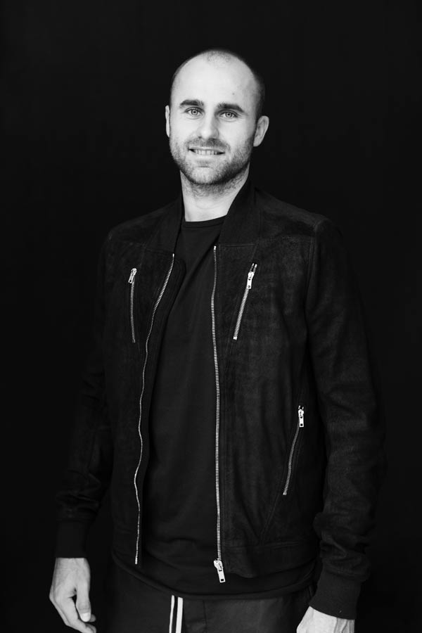 ELLE INTERVIU: Marius Copil vede lumina