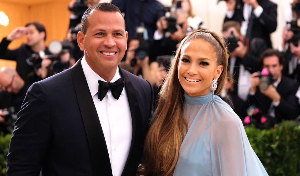 Cum să împodobești bradul – varianta glam și distractivă a lui Jennifer Lopez & Alex Rodriguez