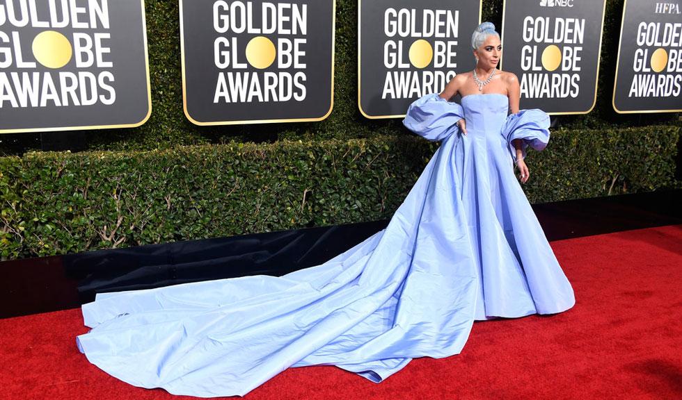 """Ținuta purtată de Lady Gaga la Globurile de Aur 2019 îi aduce un omagiu lui Judy Garland în """"A Star Is Born"""""""