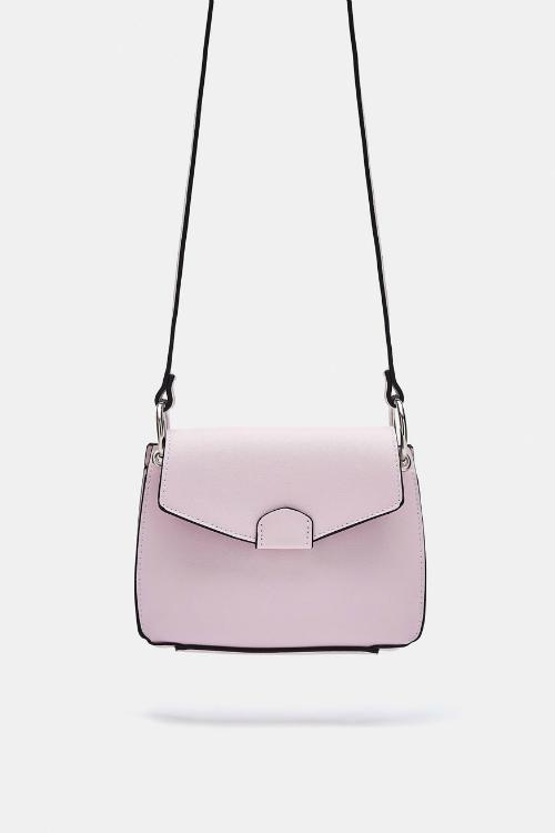 O viață în roz – cele mai stylish piese vestimentare & accesorii