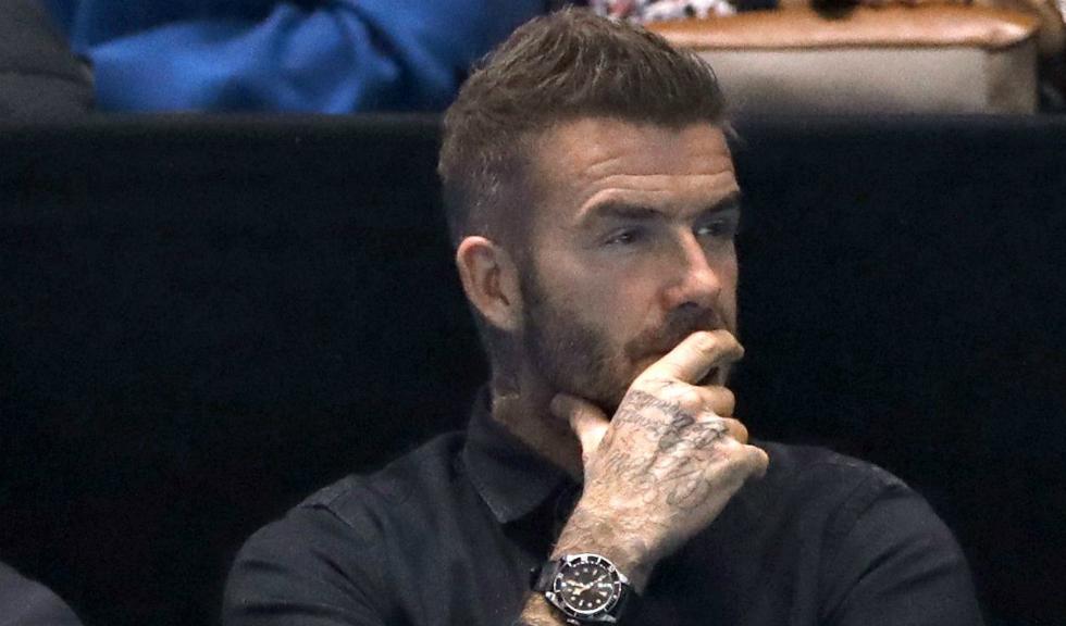 David Beckham poartă fard de pleoape turcoaz, iar criticii au deja o părere