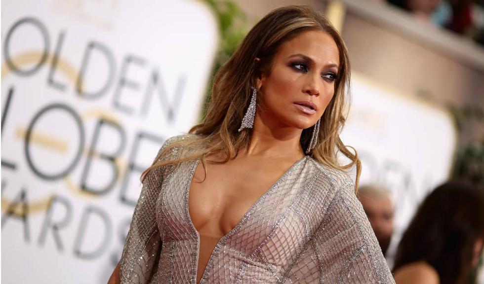 De ce a ajuns viral un selfie postat de Jennifer Lopez