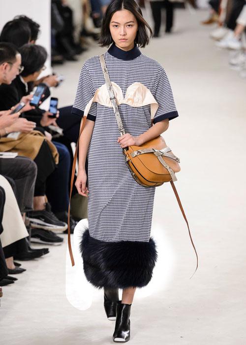 Fashion trend: Cu sutienul la vedere!