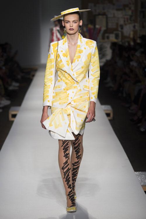 Moschino colecția primăvară-vară 2019