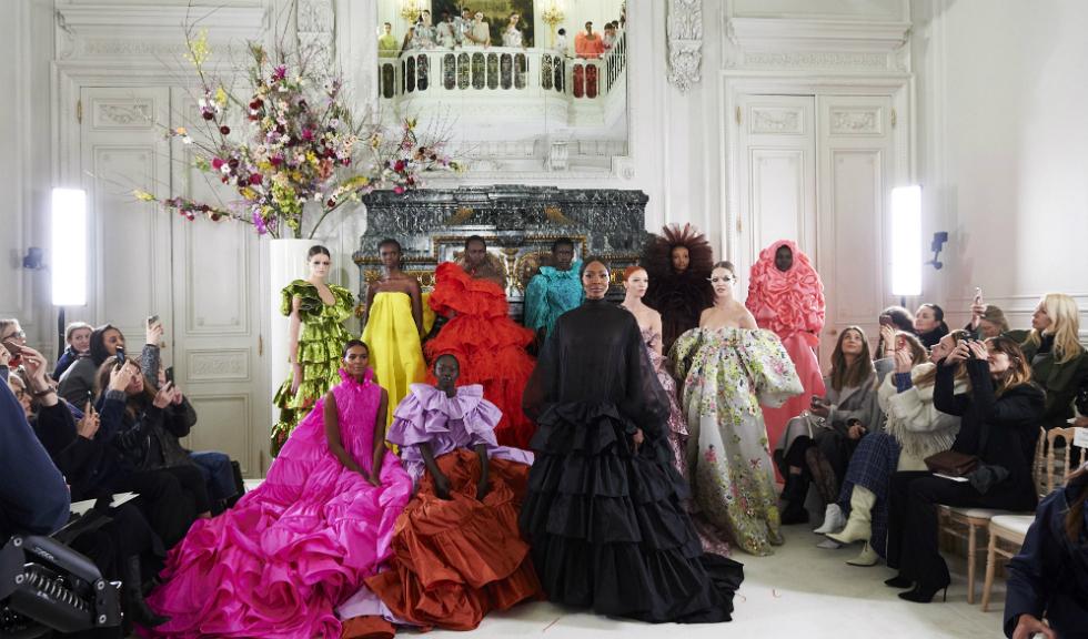 Naomi Campbell, apariție HOT în prezentarea de modă Valentino