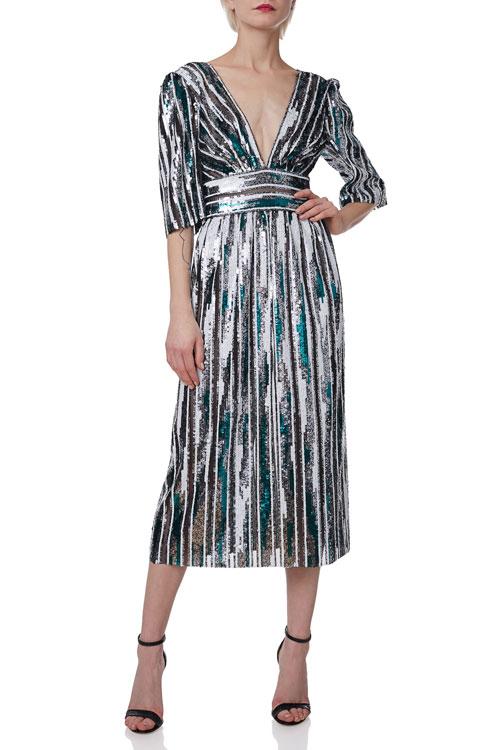 TOP 15 rochii sexy & stylish pe care le poți purta la o nuntă de iarnă