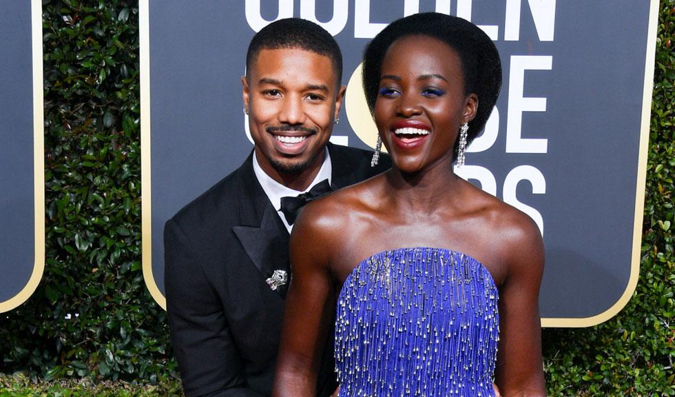 Lupita Nyong'o și Michael B. Jordan au fost surprinși sărutându-se la Globurile de Aur, iar clipul a devenit viral dintr-un motiv foarte amuzant