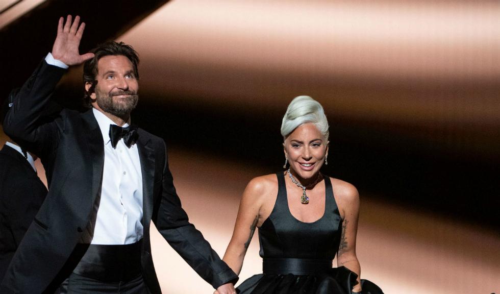 Fosta soție a lui Bradley Cooper vorbește despre chimia acestuia cu Lady Gaga din timpul duetului de la Premiile Oscar 2019