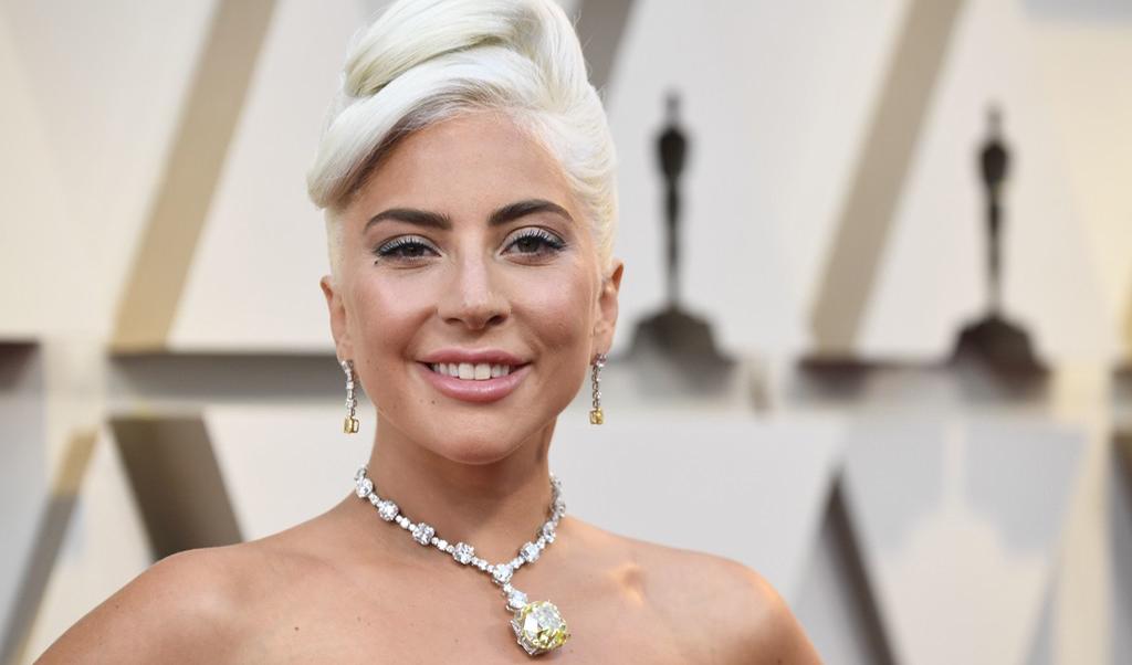 Lady Gaga a purtat diamantul lui Audrey Hepburn la Oscar
