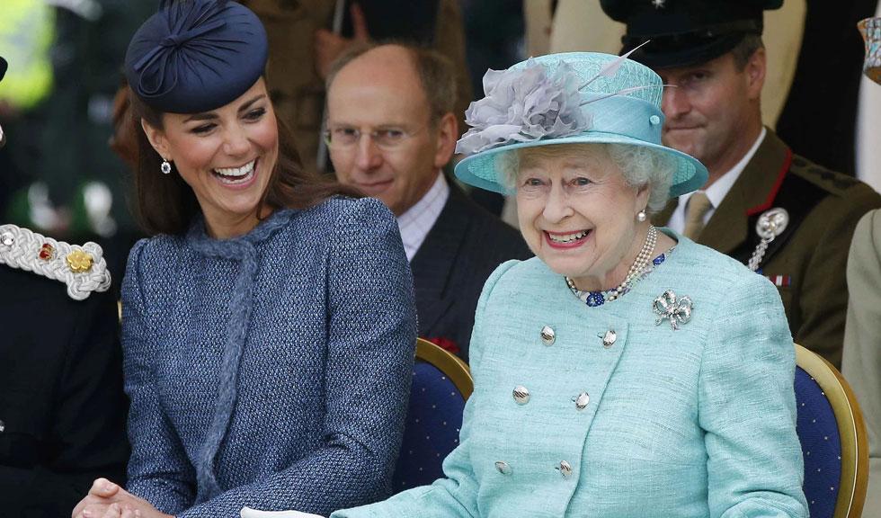 Modul inedit în care Regina Elisabeta a ajutat-o pe Kate Middleton înainte de căsătoria cu Prințul William