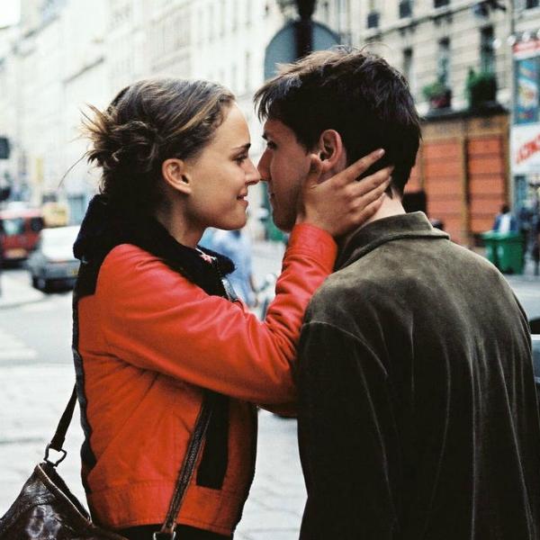10 filme care te vor face să te îndrăgostești de Paris