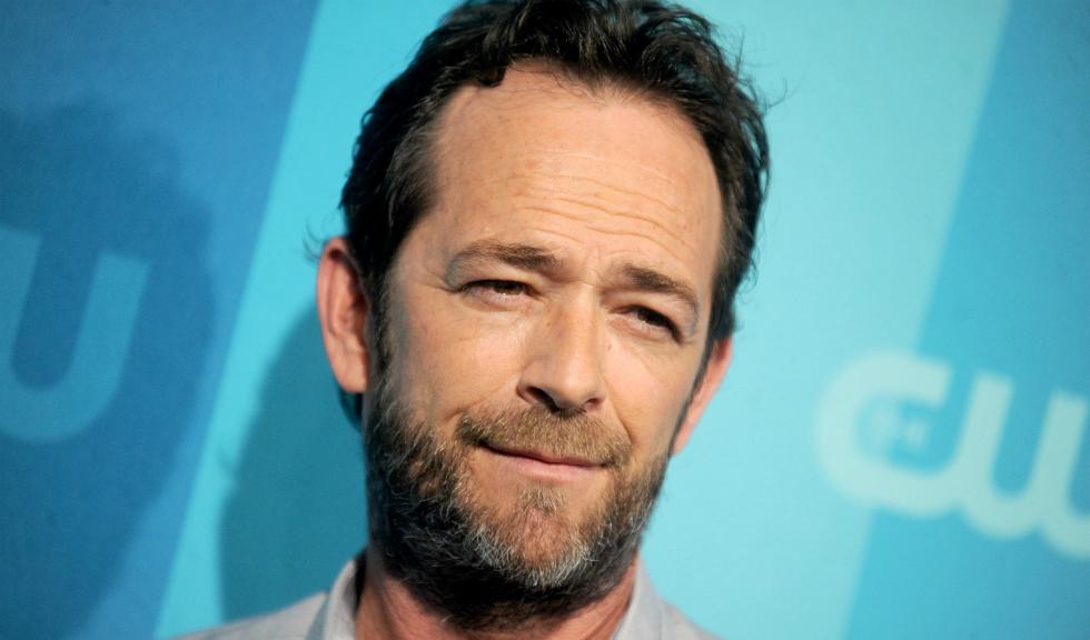 """Vedetele îi aduc un ultim omagiu lui Luke Perry, cunoscut pentru rolul lui Dylan în """"Beverly Hills, 90210"""""""