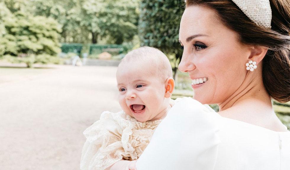 Prințul Louis a împlinit un an, iar imaginile făcute de Kate Middleton sunt adorabile