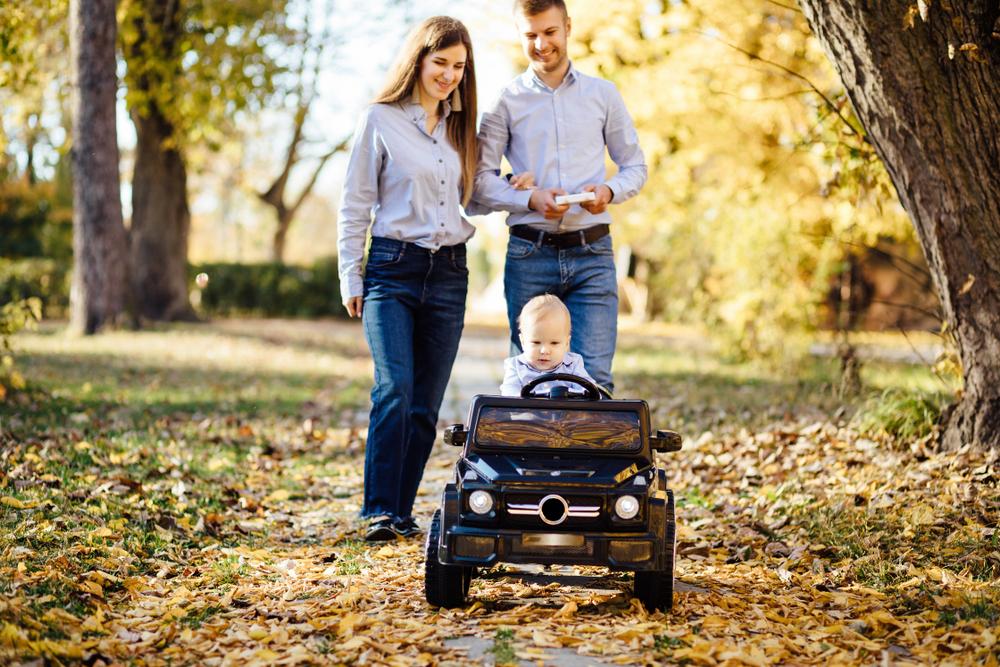 (P) Sfaturi de la Nichiduta privind alegerea unei masini electrice pentru copii