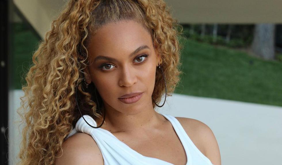 Beyoncé și-a schimbat culoarea părului, iar fanii au deja o părere