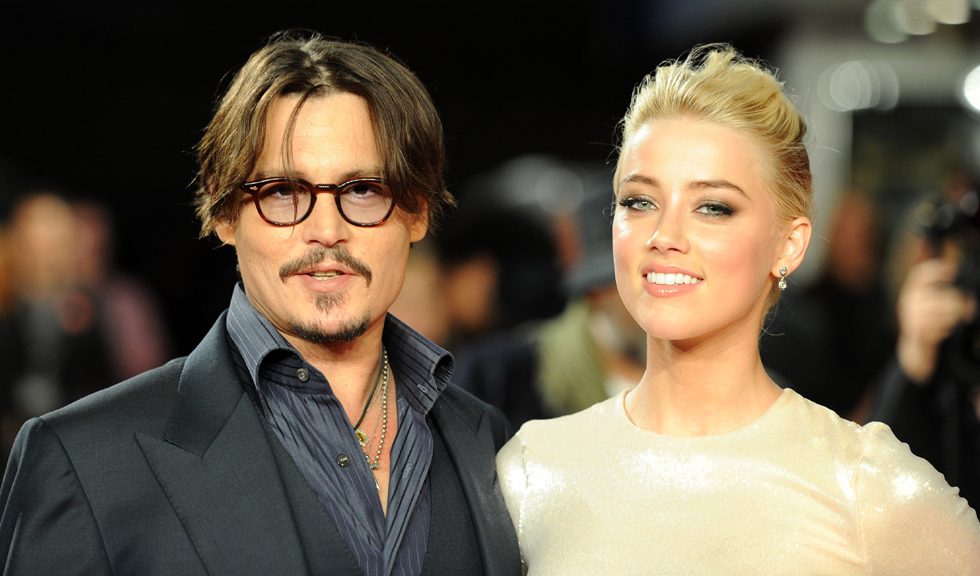 Johnny Depp pretinde că Amber Heard și-a falsificat vânătăile de pe față cu machiaj, pentru a-l acuza de violență domestică