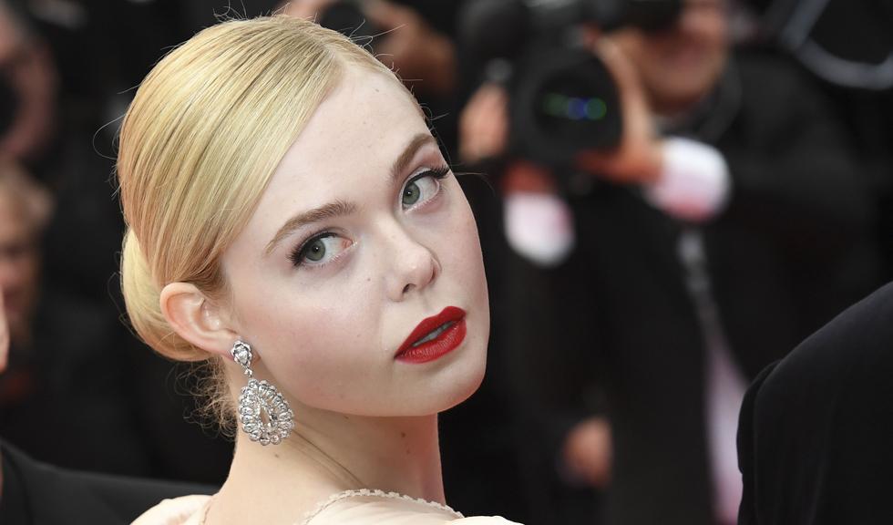 Elle Fanning a leșinat la Cannes din cauza menstruației