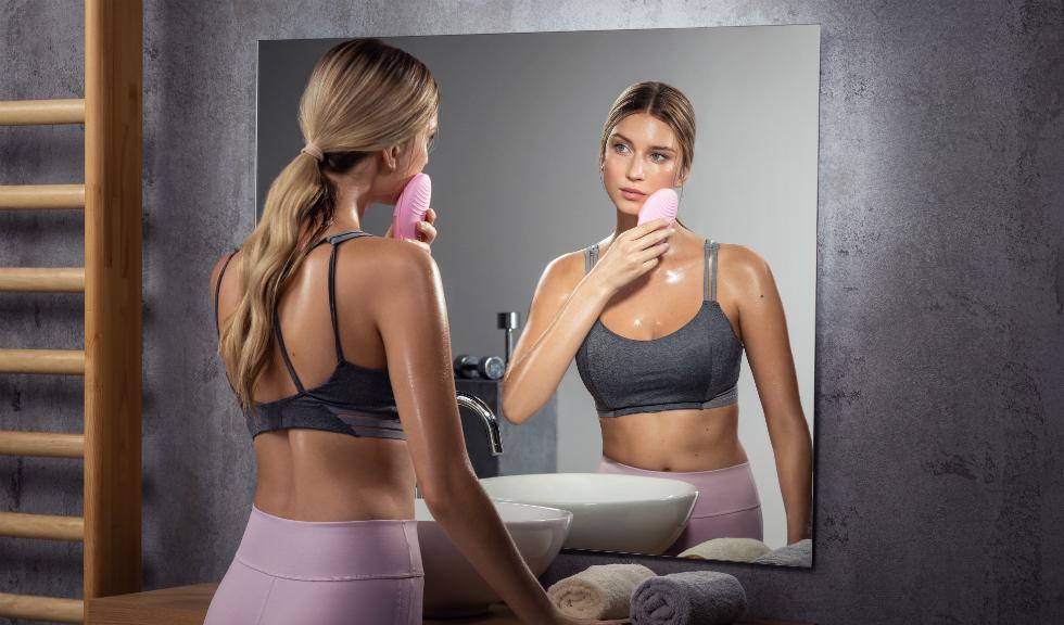 (P) FOREO lansează LUNA 3 pentru împrospătarea, hidratarea și tonifierea tenului tău