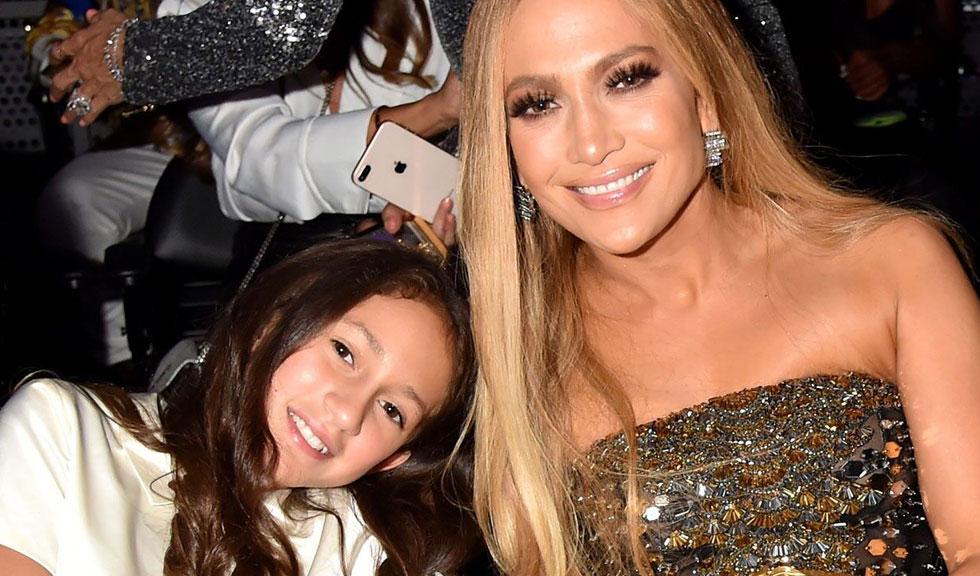 Fiica lui Jennifer Lopez, în vârstă de 11 ani, și-a însoțit mama pe scenă pentru un duet emoționant
