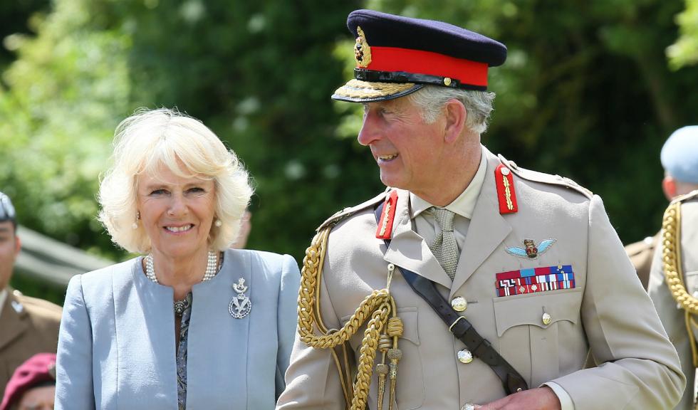Inelul de logodnă primit de Camilla Parker Bowles de la Prințul Charles are o poveste impresionantă