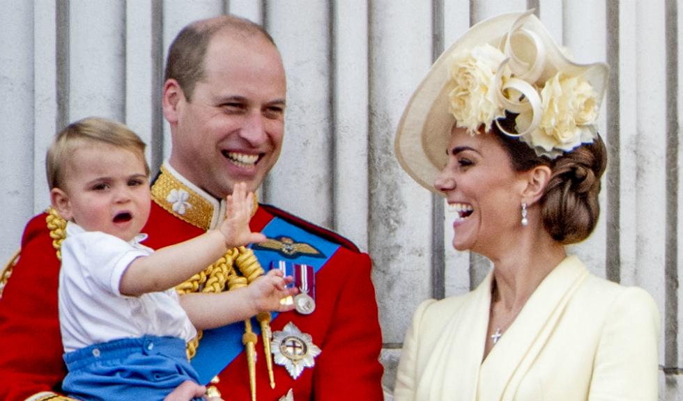 Prințul Louis a purtat, pentru primul lui eveniment oficial, o ținută similară cu cea purtată de Prințul Harry în urmă cu mai bine de 30 de ani