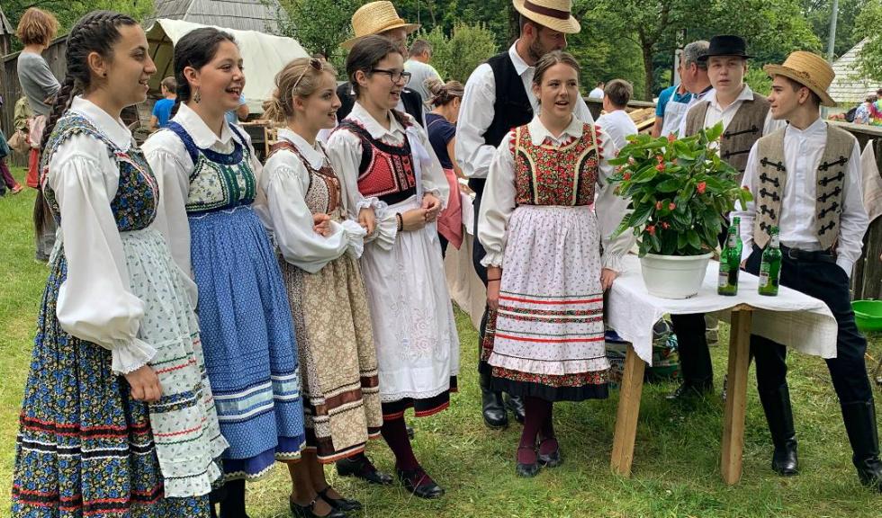 Muzeul Astra – Incursiune în viața minorităților etnice din România