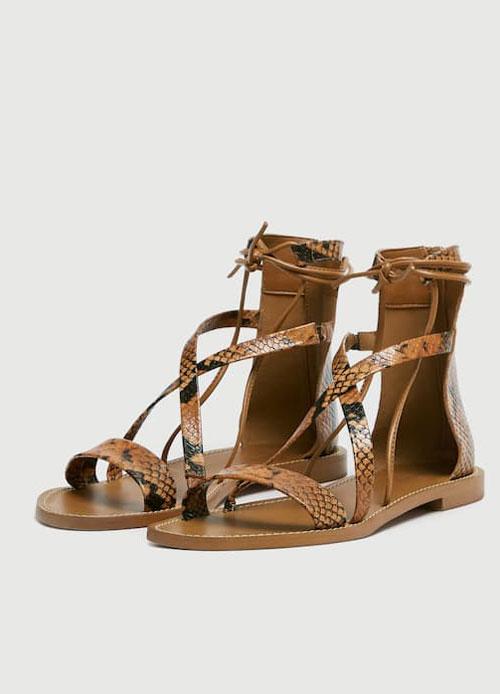 Cele mai stylish sandale plate ale verii, sub 300 de lei