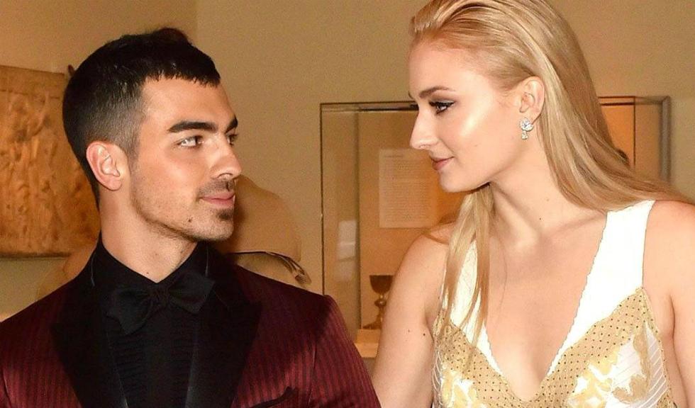 Sophie Turner a dezvăluit, în sfârșit, o fotografie în rochie de mireasă, din ziua nunții cu Joe Jonas
