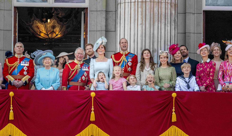 Nepoata Reginei Elisabeta a II-a s-a accidentat la o competiție de echitație