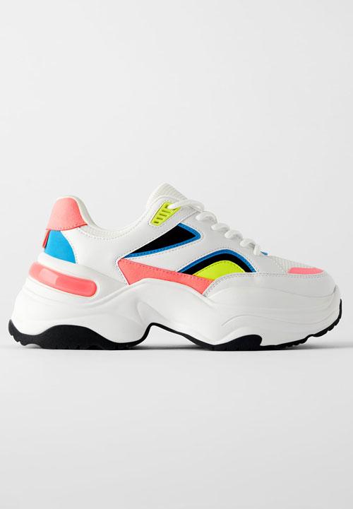 Pantofi sport: 10 modele sub 300 de lei, perfecte pentru toamnă