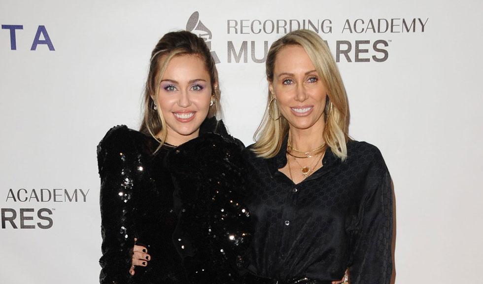 """""""Un millennial răsfățat"""" – Mama lui Miley Cyrus face declarații despre fiica ei"""