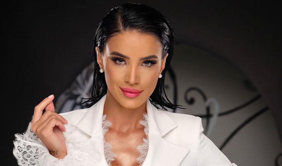 """Adelina Pestrițu, declarații sincere despre frumusețe și intervențiile chirurgicale: """"Am considerat că trebuie să fac anumite retușuri și le-am făcut"""""""