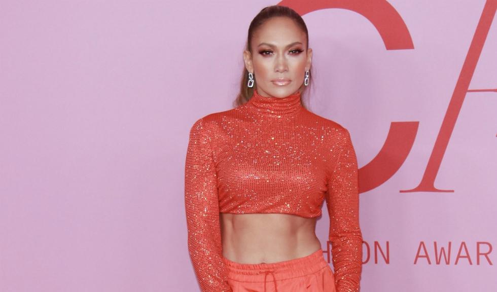 Jennifer Lopez, într-o spectaculoasă rochie de mireasă pe străzile din New York