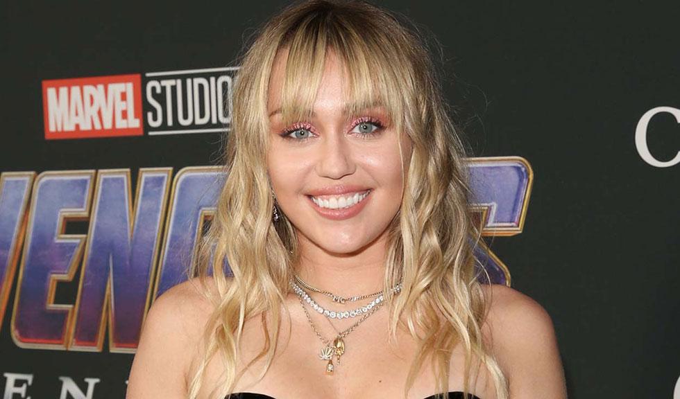 Miley Cyrus, obligată să renunțe la cântat