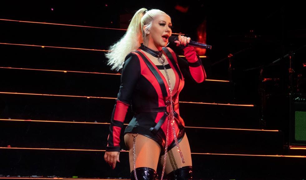 Christina Aguilera, însoțită de fiica ei pe scenă la concertul din Londra