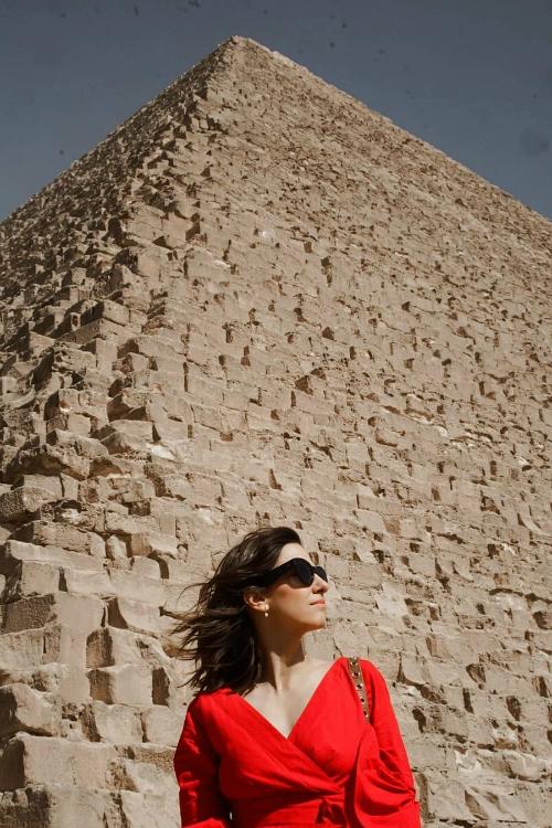 Dana Rogoz, pe covorul roșu la Cairo International Film Festival, cu ocazia premierei filmului Mo