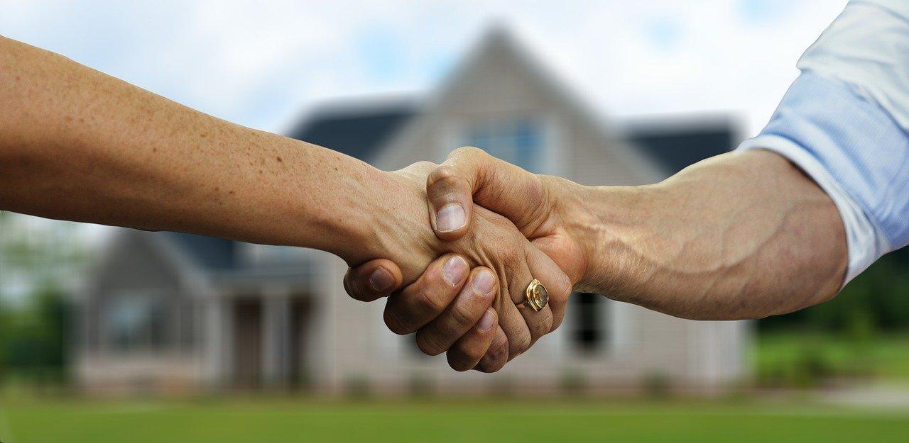 (P) 7 lucruri de care trebuie să ții cont când cumperi o locuință