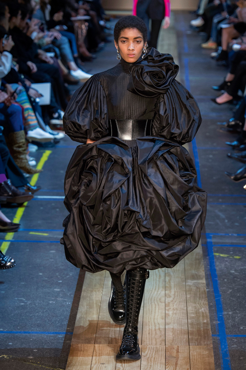 Tendințe modă: Tribute to black