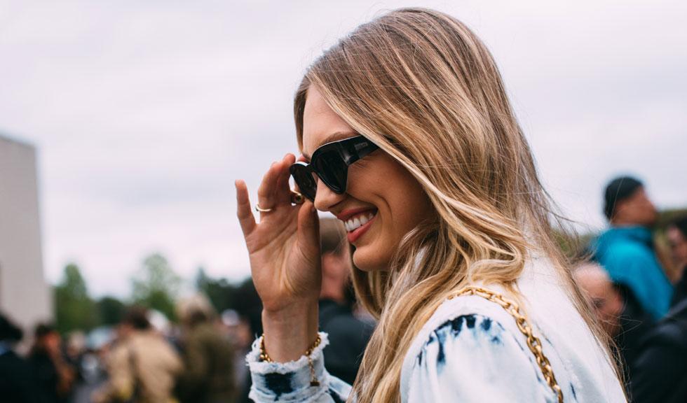 Cum să ai un zâmbet alb și strălucitor cu metode naturale