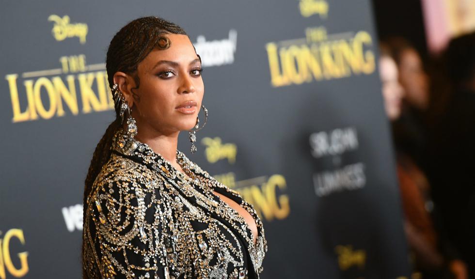 Beyoncé a publicat imagini inedite alături de cei trei copii ai săi