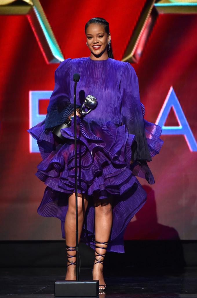 Cele mai spectaculoase ținute pe covorul roșu la NAACP Image Awards 2020