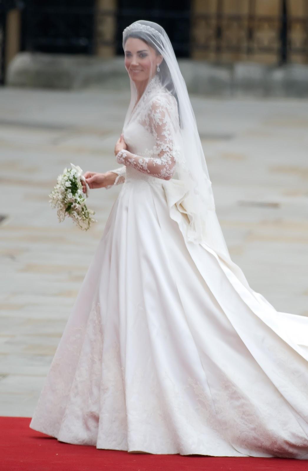 Alexander McQueen, în căutarea rochiei fantastice
