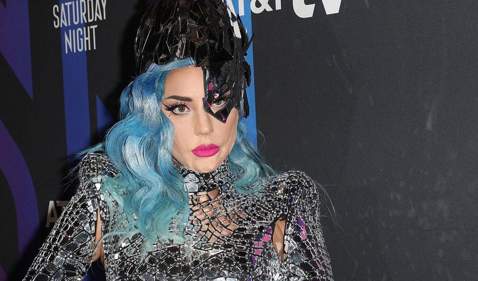 Lady Gaga s-a pozat fără machiaj, iar fanii au observat o schimbare majoră