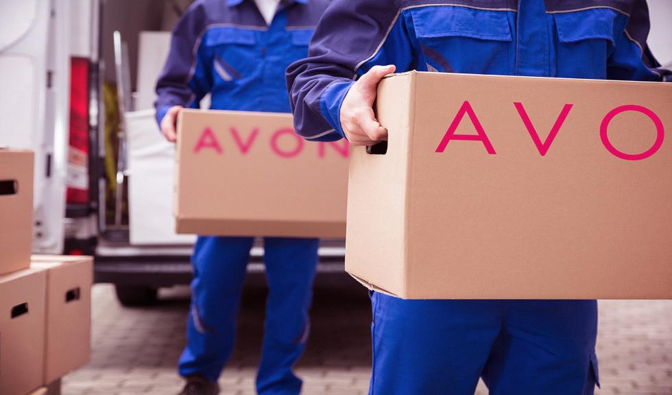 (P) AVON donează 1,7 tone de produse de igienă pentru centrele de carantină din București