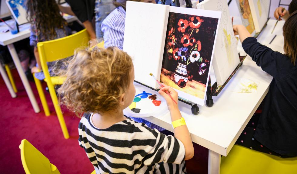 Copiii sunt invitați să descopere ARTA în Palatul Pinacotecii din București, la Art Safari Kids