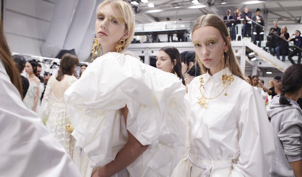 Valentino Le Blanc, primele look-uri all white din colecția Valentino Spring/Summer 2020